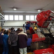 Snow groomer guided tour