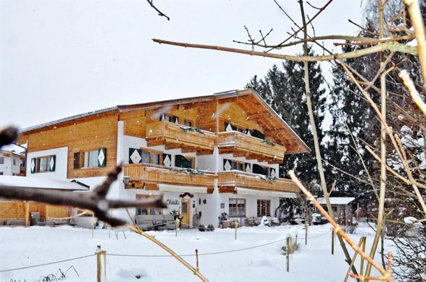Alpenpension Claudia im Winter