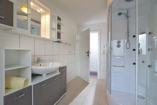 badezimmer neu groartigs badezimmer ideen gestalten fliesen und tipps for neu einrichten on. Black Bedroom Furniture Sets. Home Design Ideas