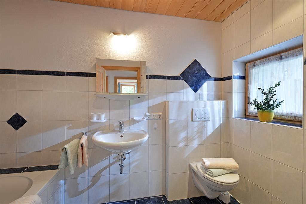 ferienhaus sonnblick going am wilden kaiser. Black Bedroom Furniture Sets. Home Design Ideas