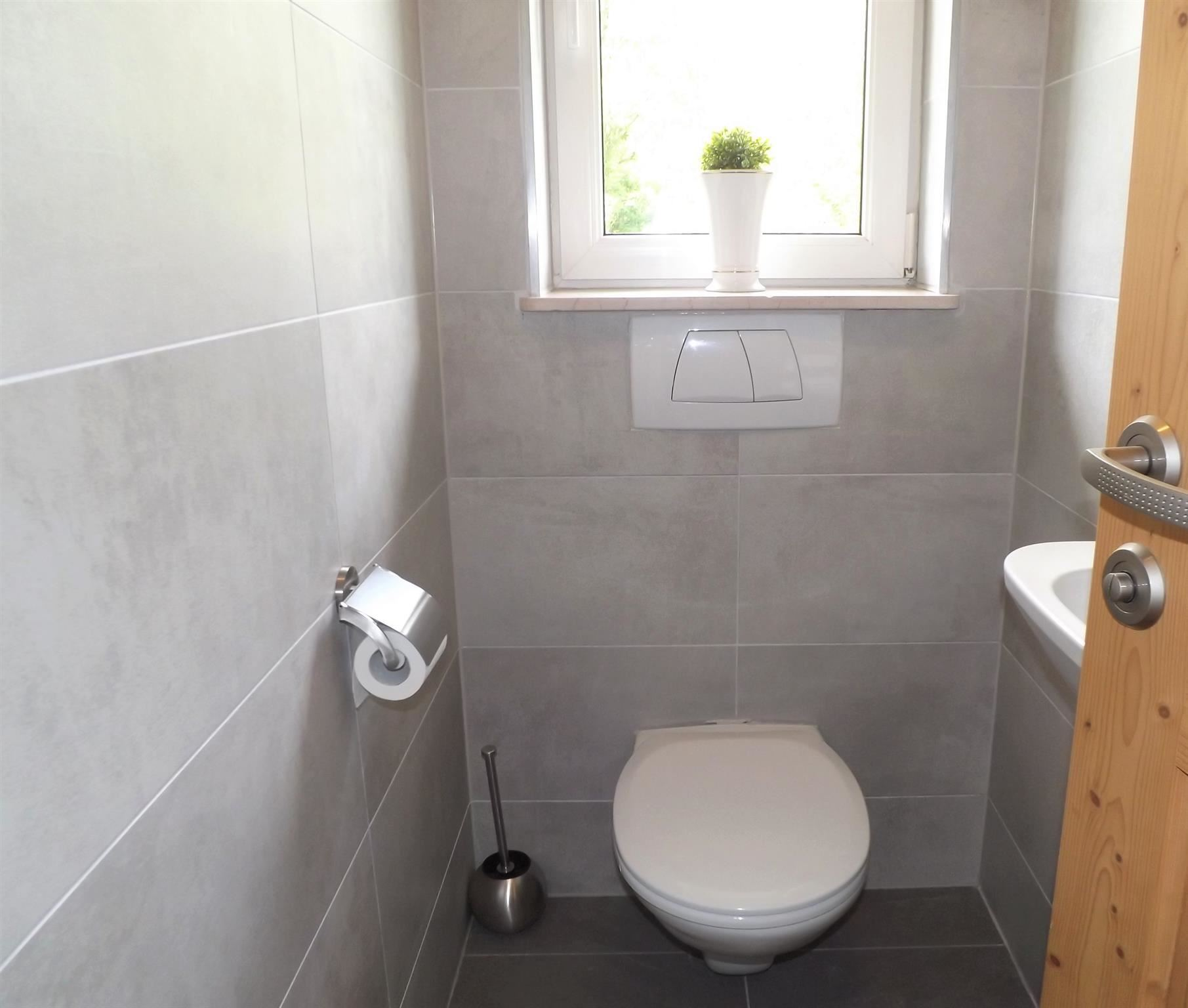 6/8 PERSON APARTMENT - SEPARATE TOILET