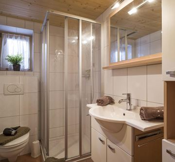 Alm_Appartement_Bromberg_33_Soell_Badezimmer