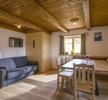 Alm_Appartement_Bromberg_33_Soell_Wohnkueche