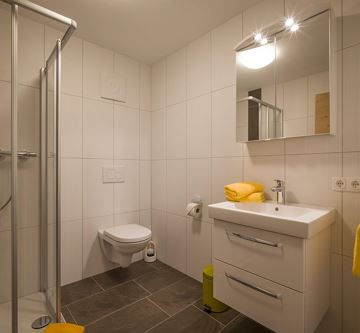 Appartement Gross Badezimmer