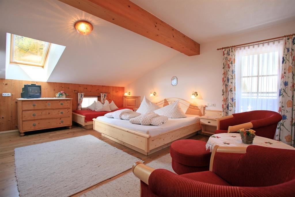 blattlbauer regina und thomas oberleitner going am wilden kaiser. Black Bedroom Furniture Sets. Home Design Ideas