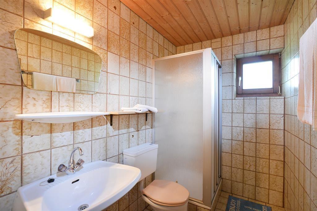 Bad, WC; Ferienhaus/4 Od. Mehr Schlafr./Bad, WC