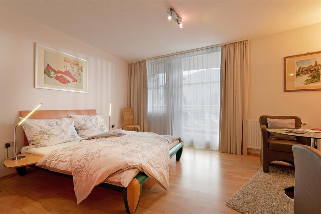 ... Apartment, Shower, Toilet, Living Room/bedroom ...