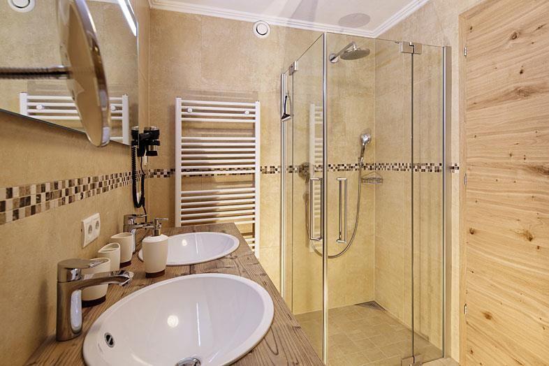 hotel berghof s ll. Black Bedroom Furniture Sets. Home Design Ideas