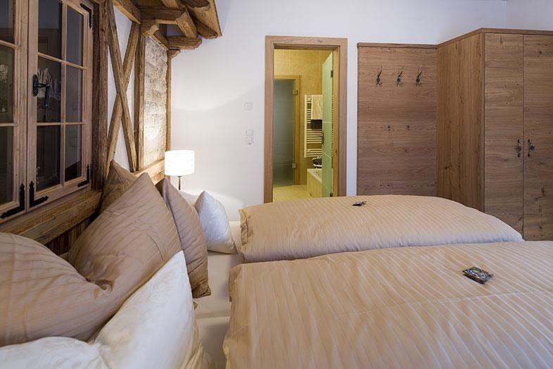 Bett Im Schlafzimmer Design Modern Italienisch Lecomfort , Hotel Berghof Söll