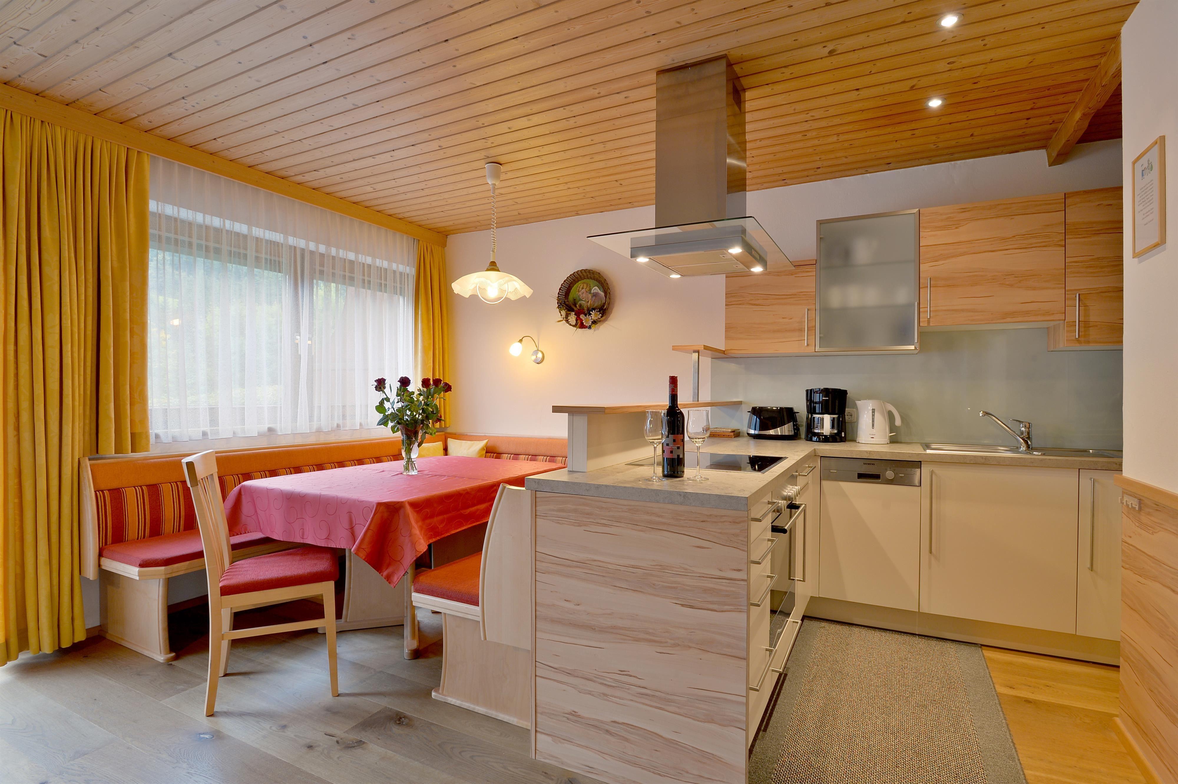 landhaus alpina scheffau am wilden kaiser. Black Bedroom Furniture Sets. Home Design Ideas