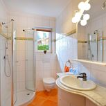 1 bedroom, comb liv.-bedr/shower and WC