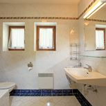2 bedrooms,camb liv.-bedr/shower or bath