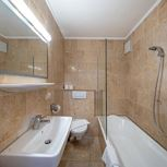 2 bedrooms,comb liv.-bedr/shower or bath