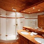 Studio, shower, toilet