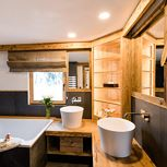 Suite, shower and bath, toilet, deluxe