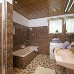 Holiday home, shower and bath tub, 4 or more bed rooms