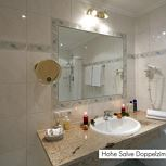 Hotel-triple room with shower or bath tube, WC