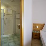 single room with bath tube, WC