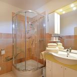 apartment/2 bedrooms/bath tube, WC