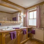 Apartment, shower and bath tub, 3 bed rooms