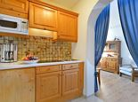 1 bedroom, comb liv.-bedr / shower