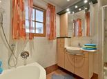 triple room with shower, WC