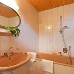 Apartment, bathtub, 2 bed rooms