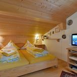 ap/combined living-bed-room/shower, WC