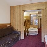 Suite, shower and bath tub, 2 bed rooms