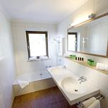 Suite, bad, WC, 2 slaapkamers