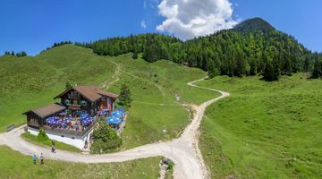 3-day mountain hut walk - alternative route to the summit of the Scheffauer