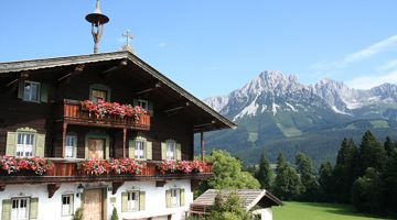 "Bergdoktor e-bike tour ""From the village square via the doctor's practice to the Gruberhof"""