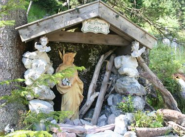Stations of the Cross trail to the Anna Grotto